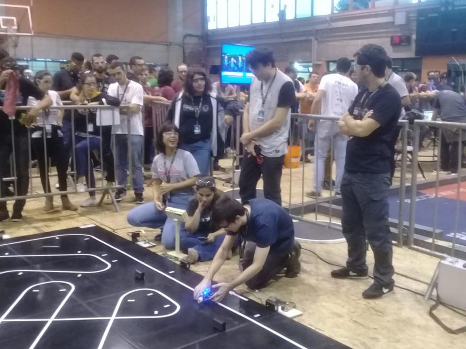 Alunos do clube Infoboto em competição
