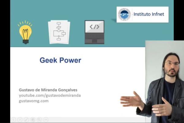 Professor Gustavo de Miranda apresentando o Geek Power